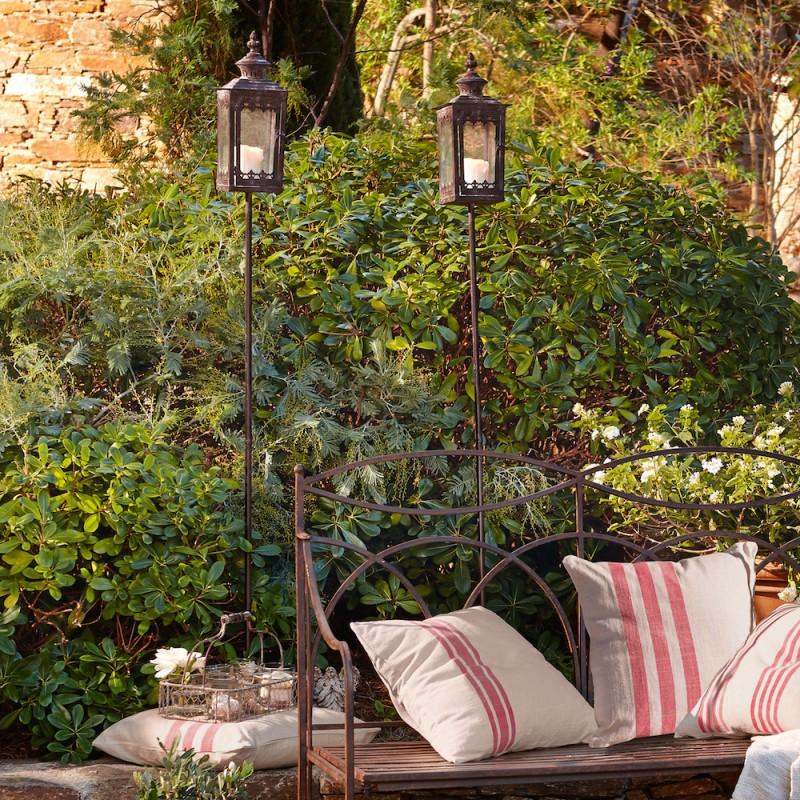 gartenaccessoires eisen, wunderschöne gartenaccessoires die für eine romantische atmosphäre, Design ideen